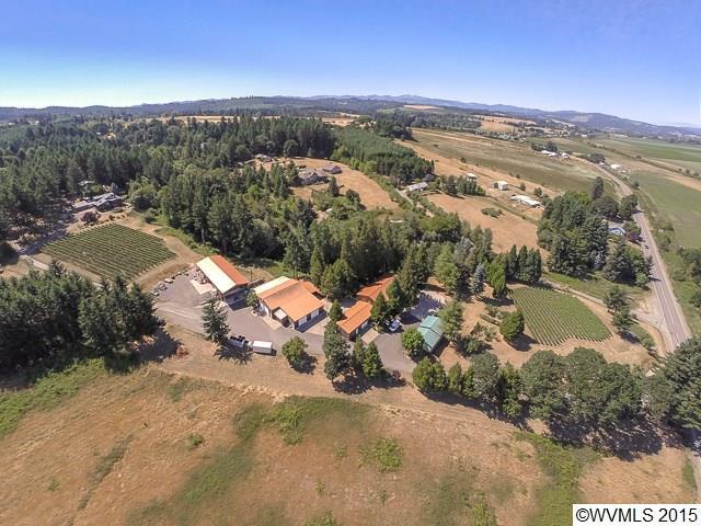 5.8 acres Gaston, OR