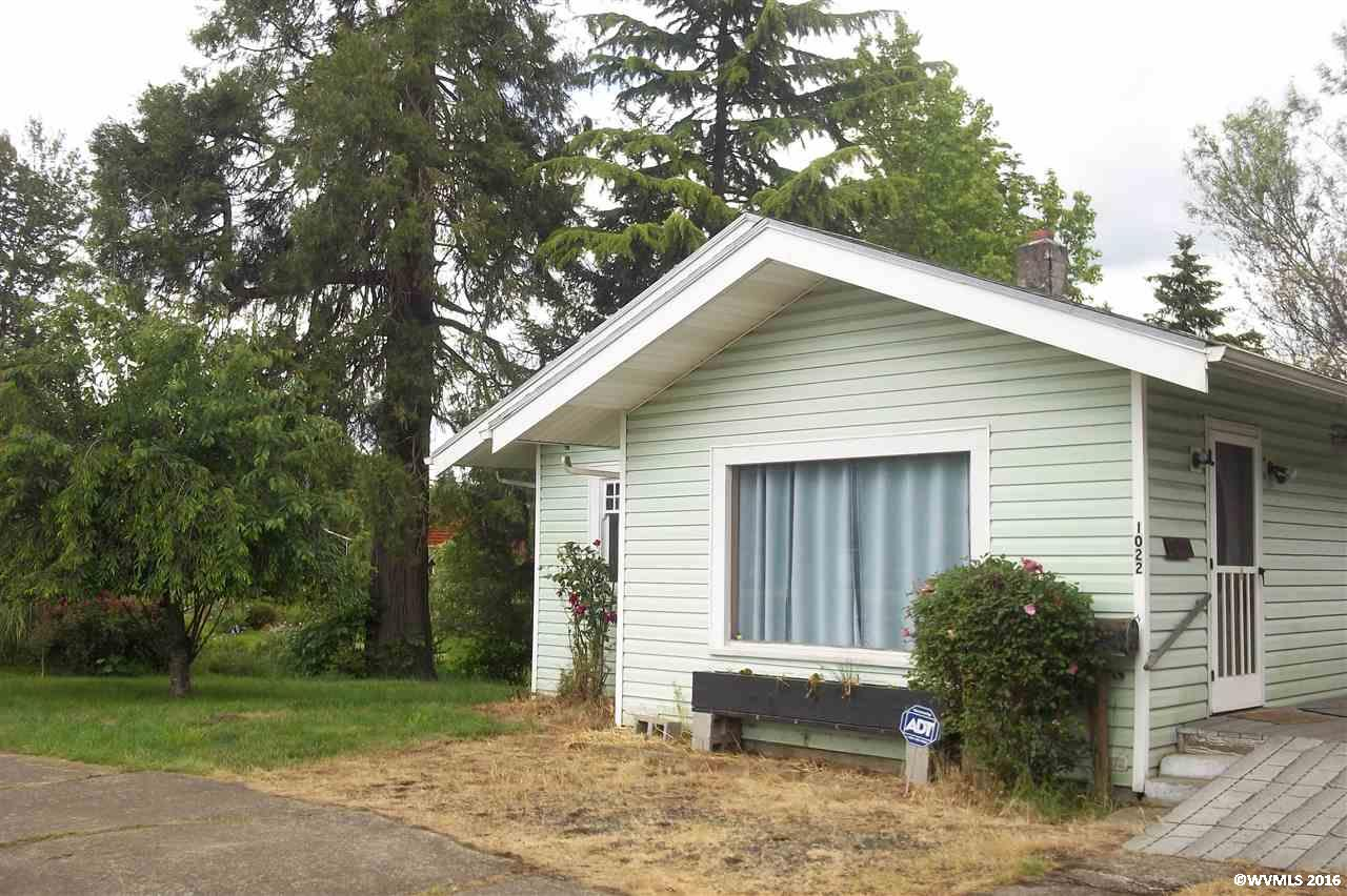 1022 Monmouth St, Independence, OR 97351
