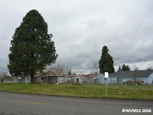 2374 Pacific Hwy, Hubbard, OR 97032