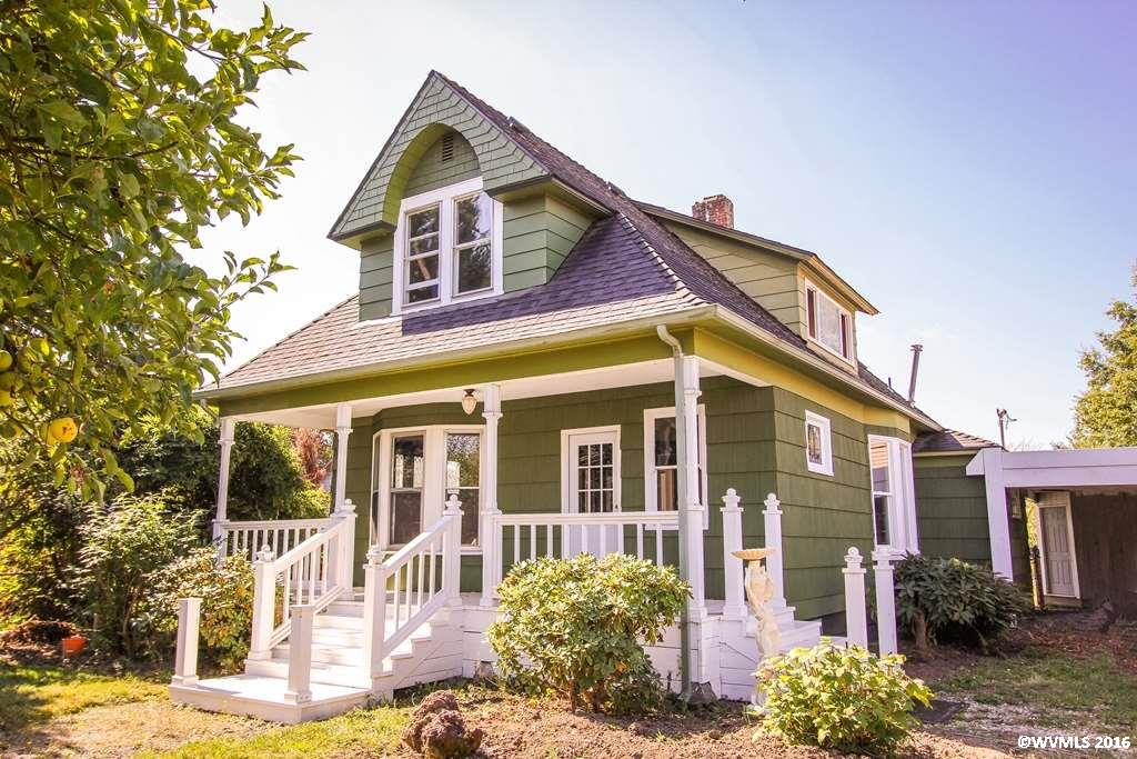 136 N 3rd St, Jefferson, OR 97352