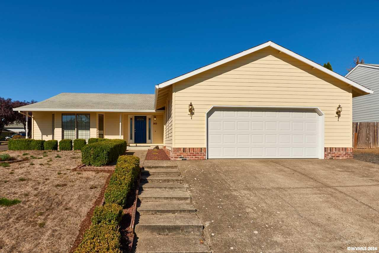 Photo of 203  Hillsdale Dr  Newberg  OR