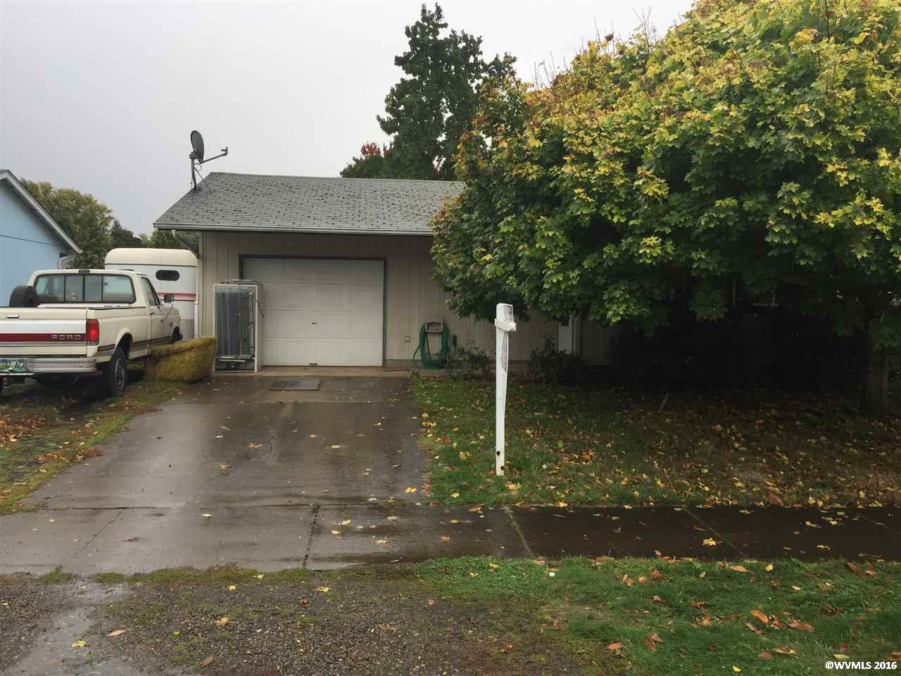 267 N 5th St, Jefferson, OR 97352