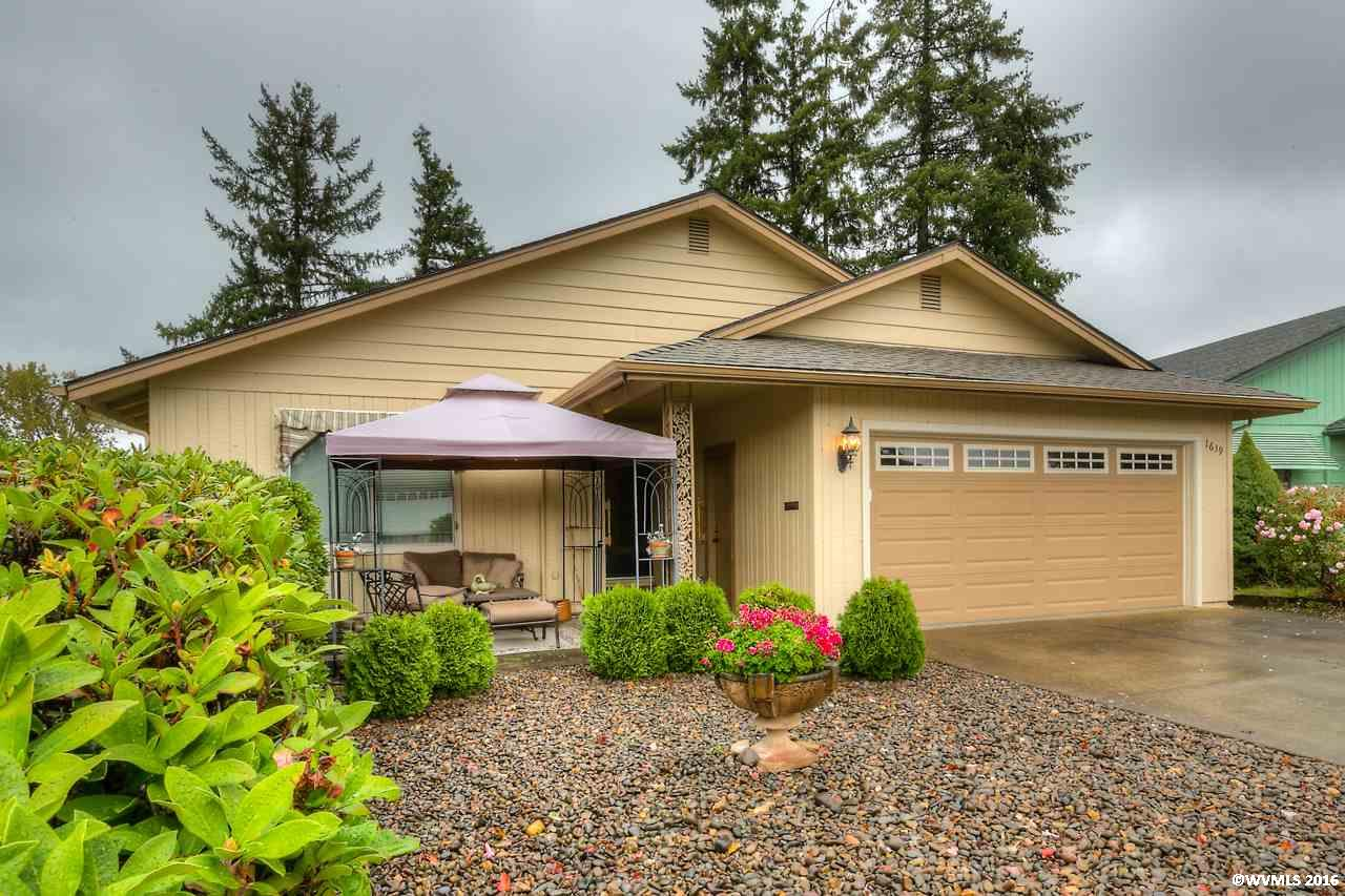 Photo of 1639  Nut Tree Dr NW  Salem  OR