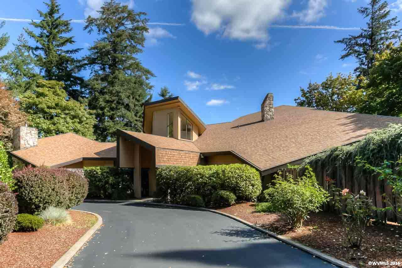 492 McNary St, Independence, OR 97351