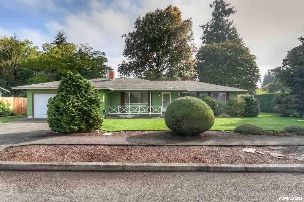 412 N Larch Ave, Stayton, OR 97383
