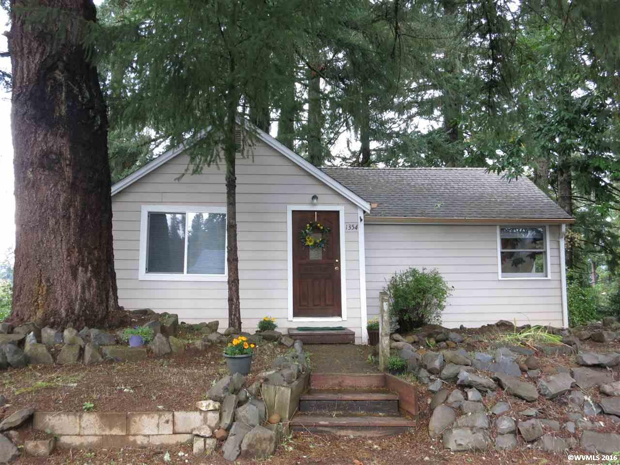 1354 Grape St, Sweet Home, OR 97386