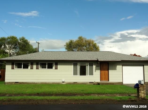 1223 30th Ave SE, Albany, OR 97322