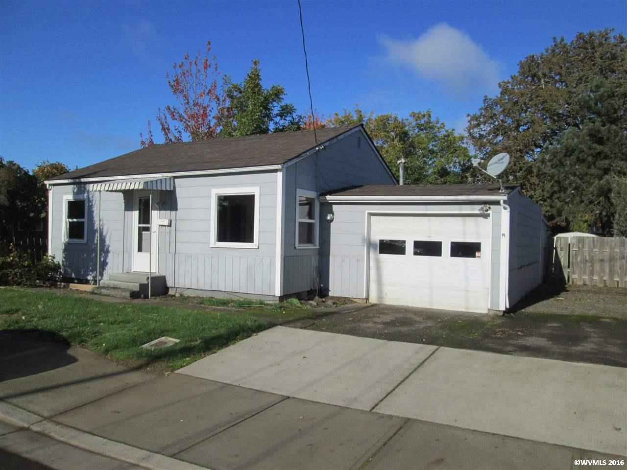 Photo of 1035  5th St  Woodburn  OR