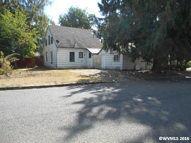 Photo of 1074 W Lincoln St  Woodburn  OR