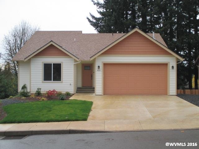 Photo of 425 NW 6th St  Willamina  OR
