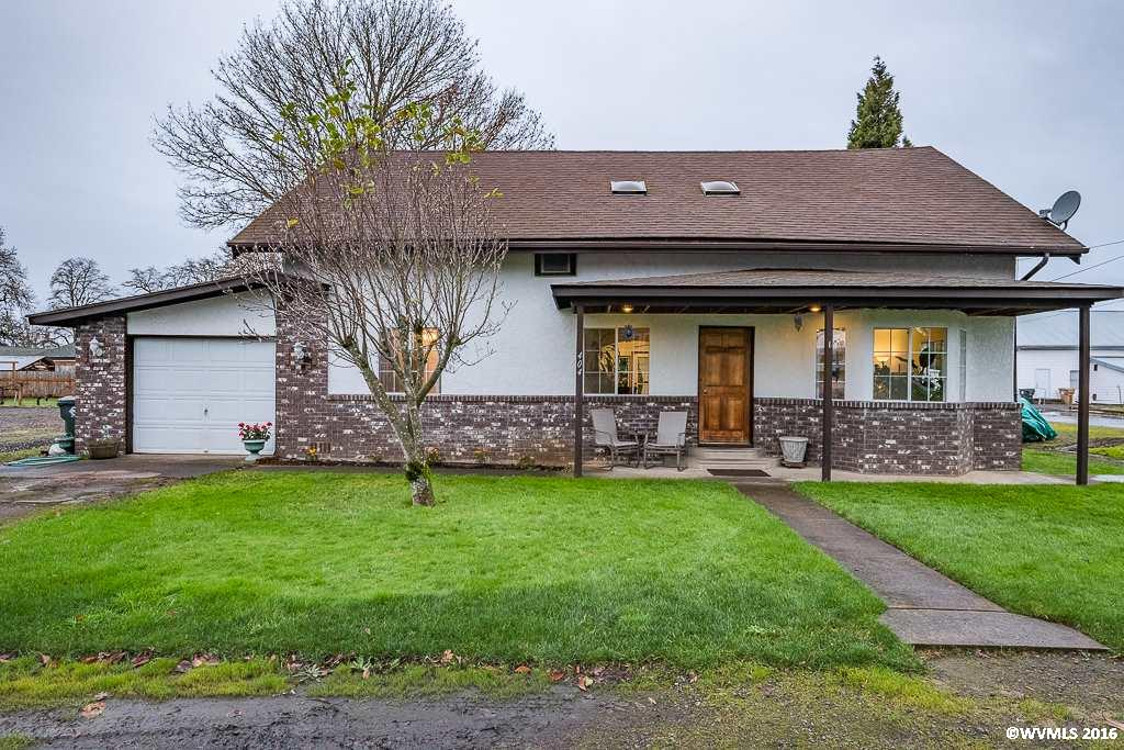 404 French St, Brownsville, OR 97327