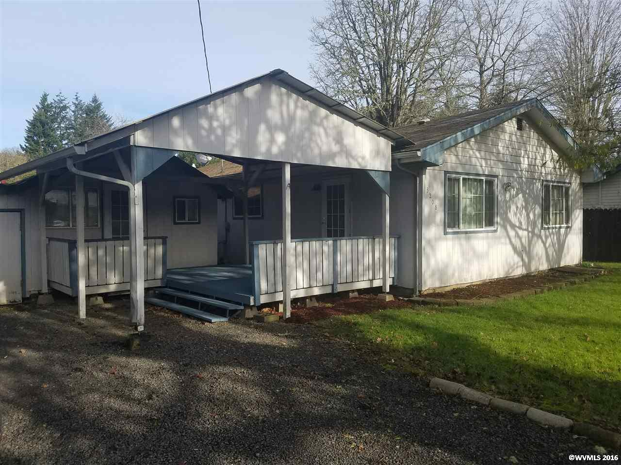 3208 Long St, Sweet Home, OR 97386