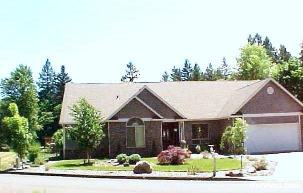 330 Santiam Pointe Loop Ne, Mill City, OR 97360