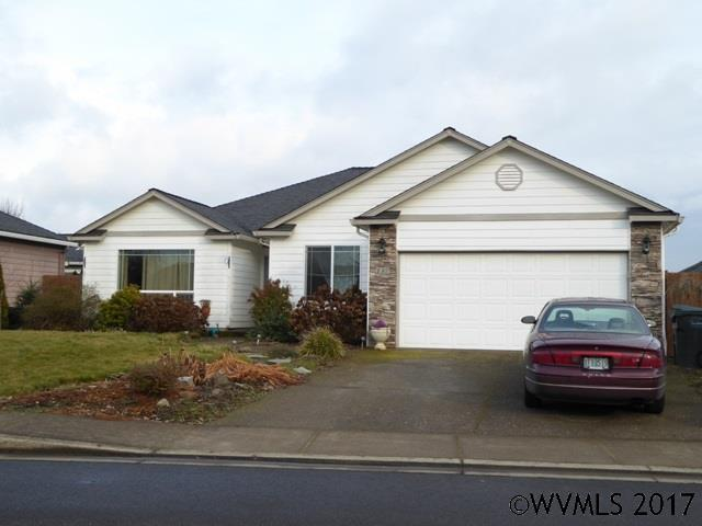 137 8th St, Jefferson, OR 97352