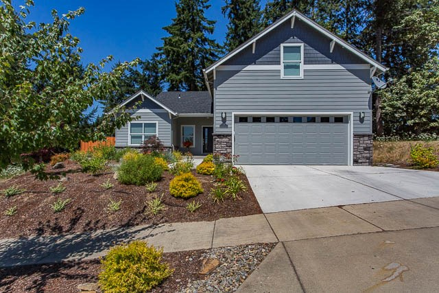 835 Northpoint Loop, Brownsville, OR 97327