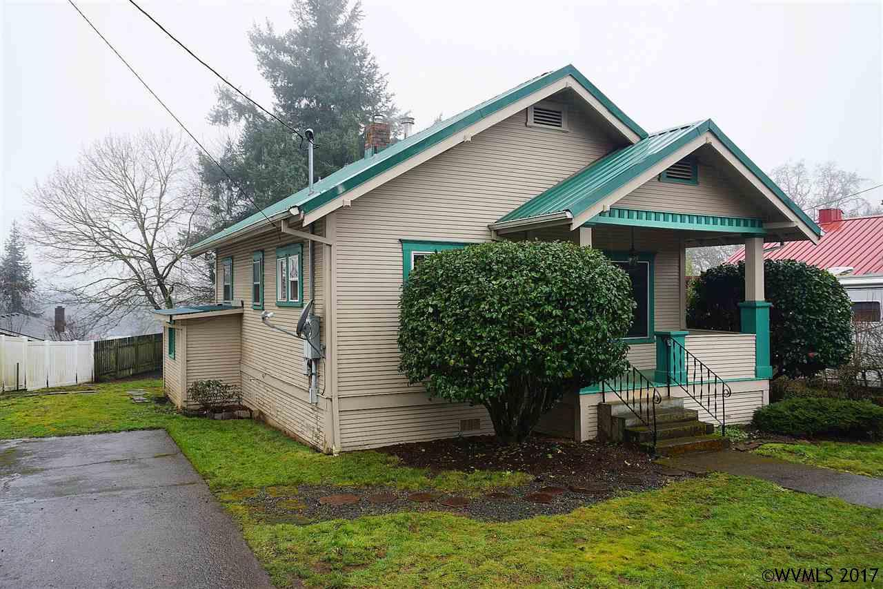 Photo of 213  5th St  Silverton  OR
