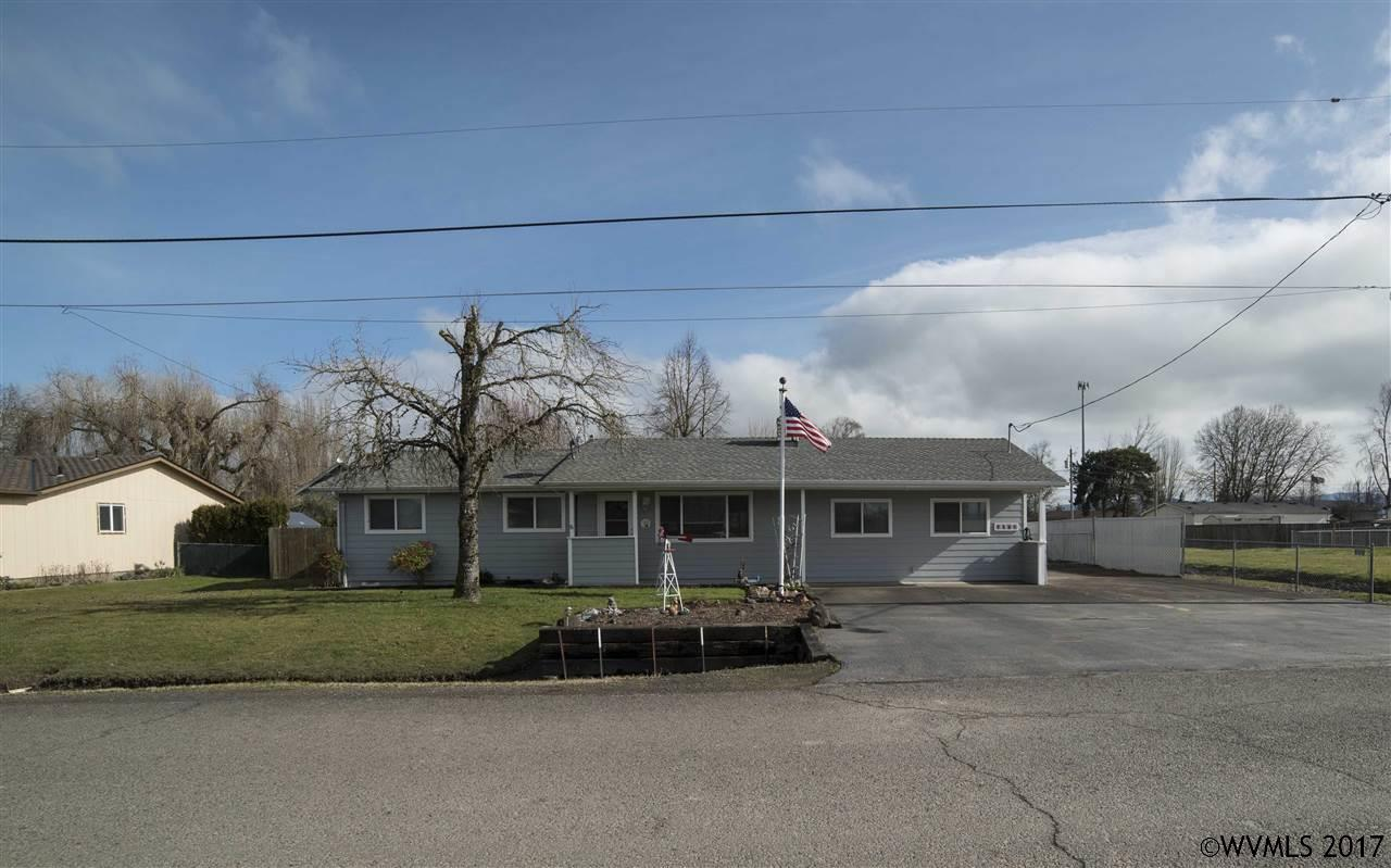Photo of 1180 W 4th St  Halsey  OR