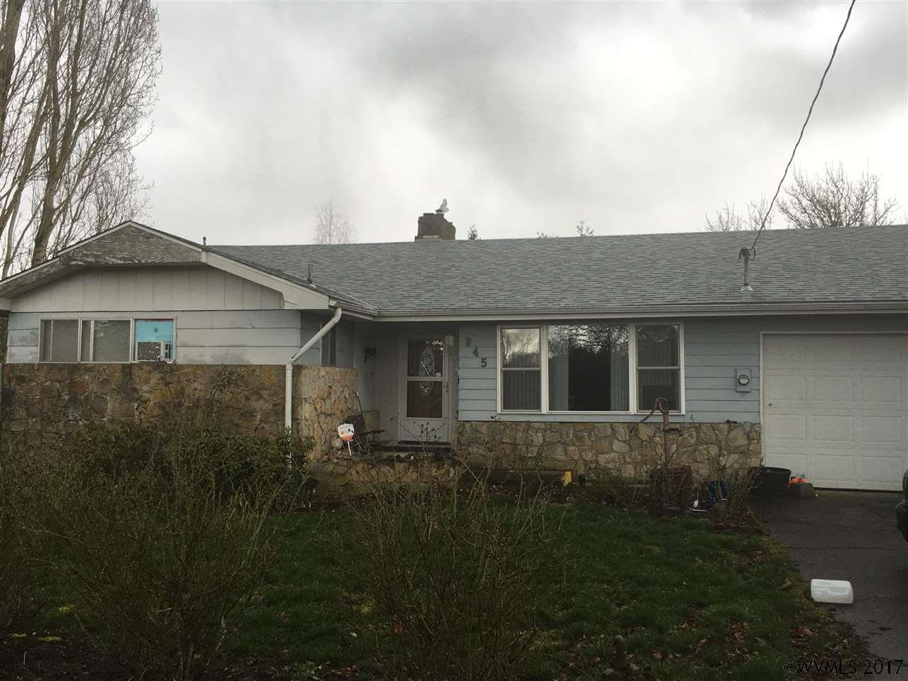 Photo of 845  McKinley St  Woodburn  OR