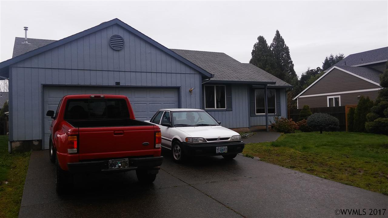 Photo of 815  Brown St  Woodburn  OR