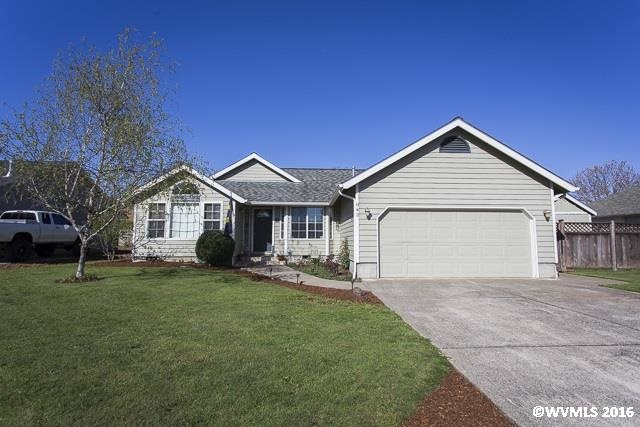 842 29th Ave, Sweet Home, OR 97386