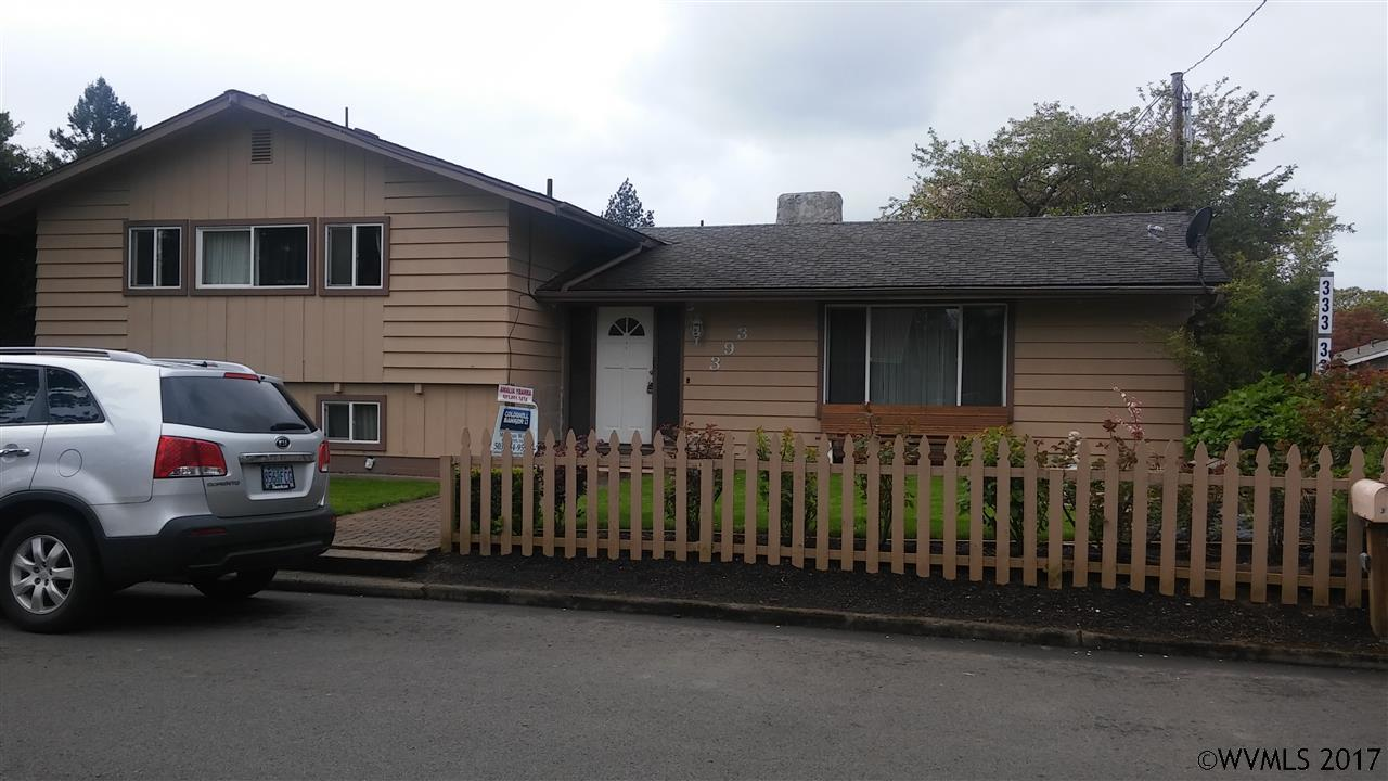 Photo of 393 S Knott St  Canby  OR
