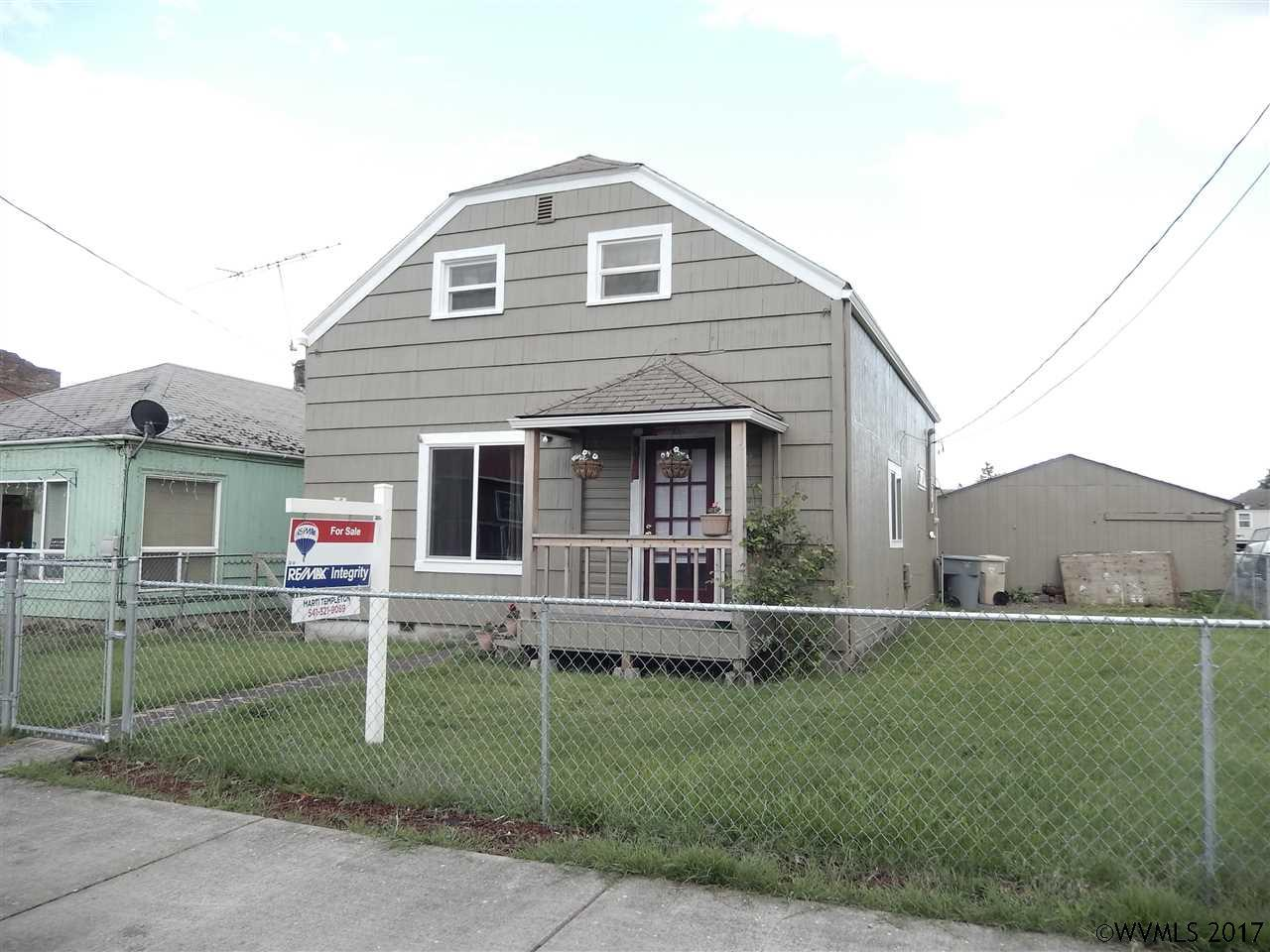 Photo of 140  Smith St  Harrisburg  OR