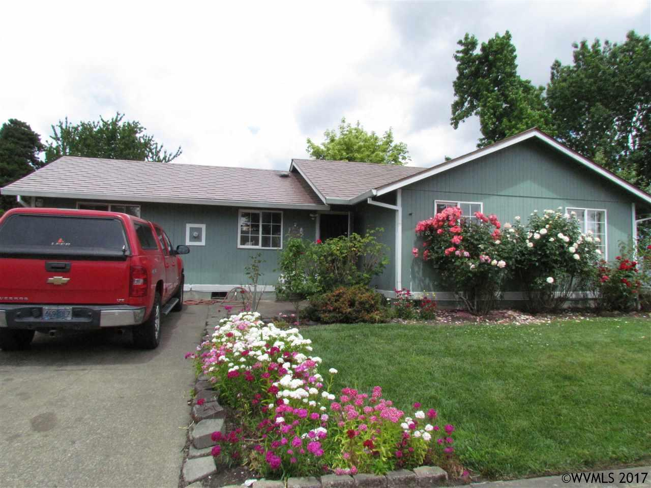 Photo of 637 SE Debbie St  McMinnville  OR