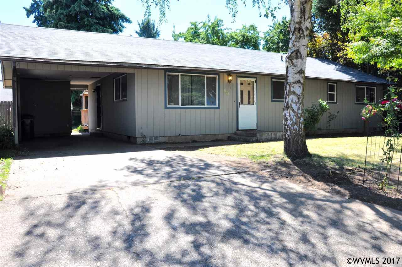 Photo of 626  Hall St  Woodburn  OR