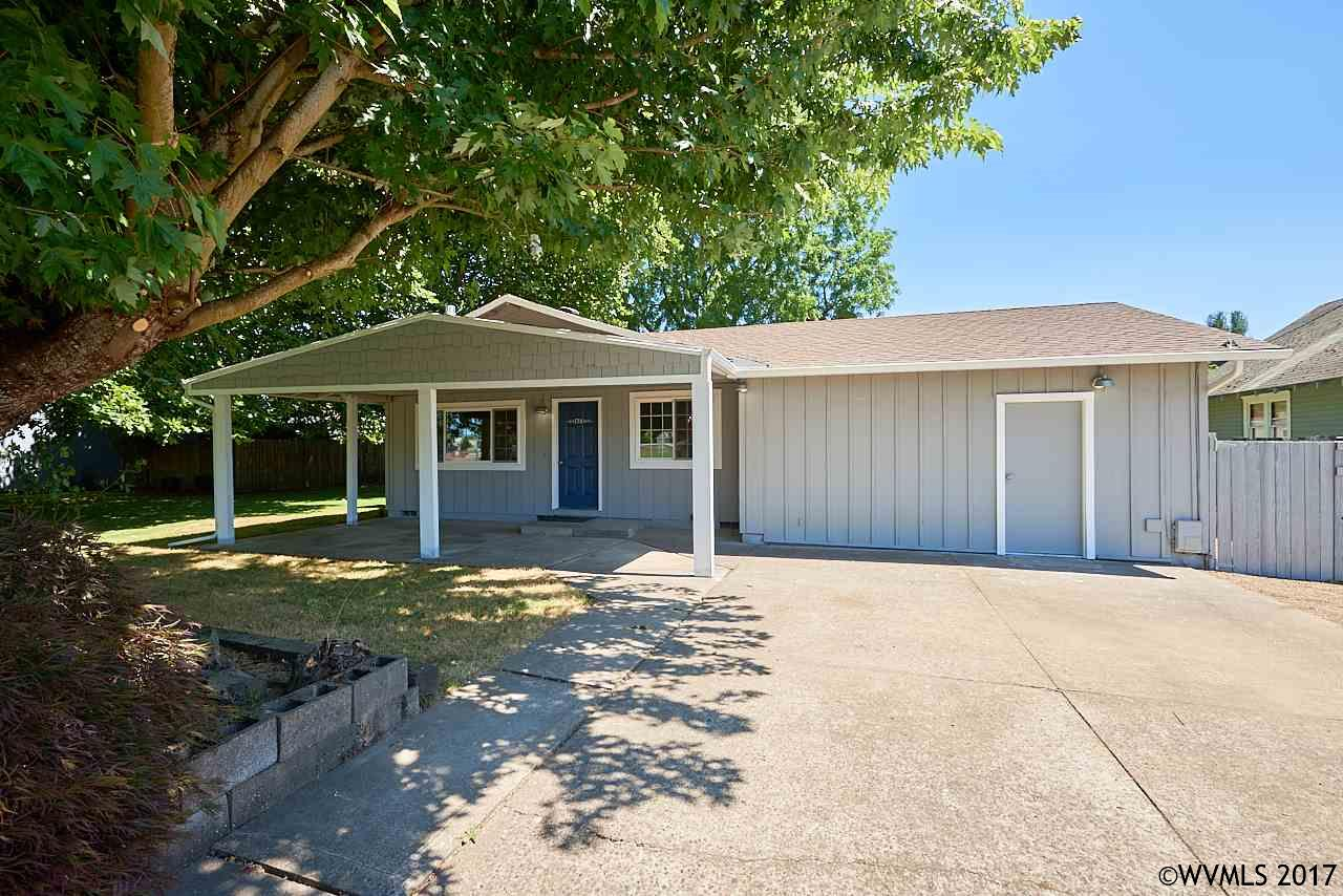 Photo of 1700 SE Davis St  McMinnville  OR