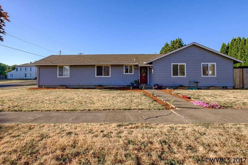 Photo of 1317  College St  Philomath  OR