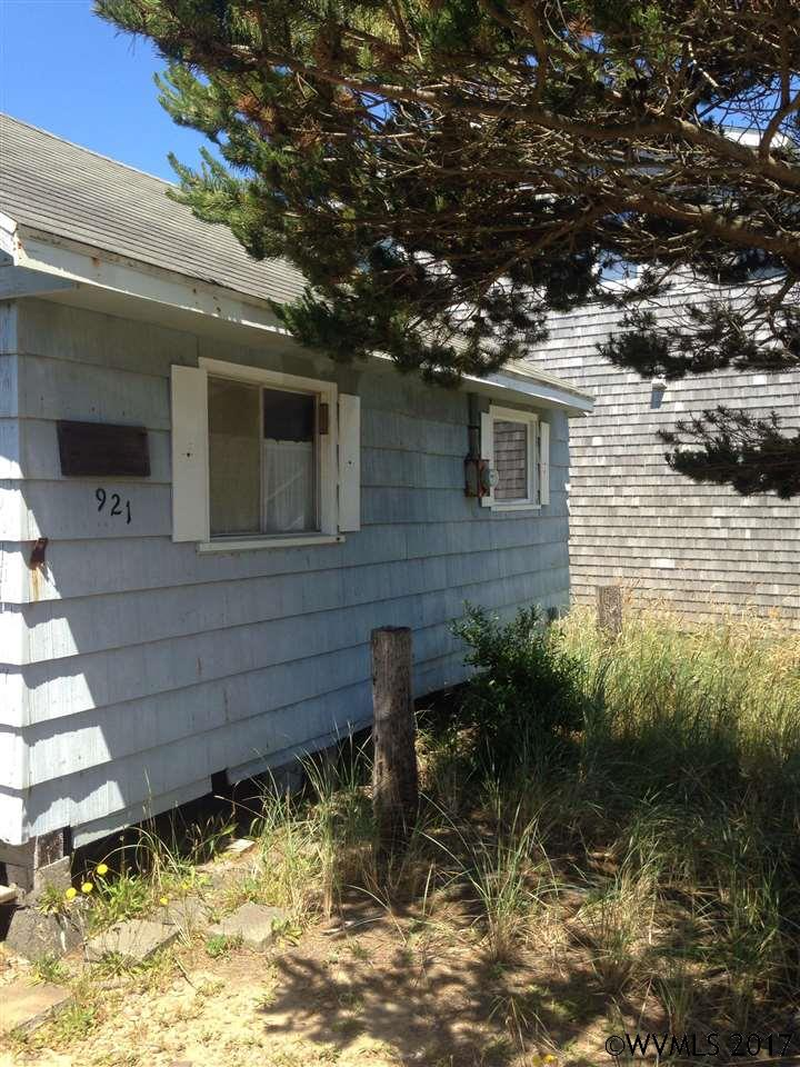Photo of 921 N Pacific St  Rockaway Beach  OR
