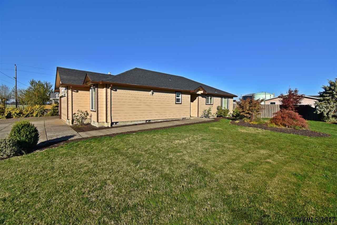 Photo of 1265 W 4th St  Halsey  OR