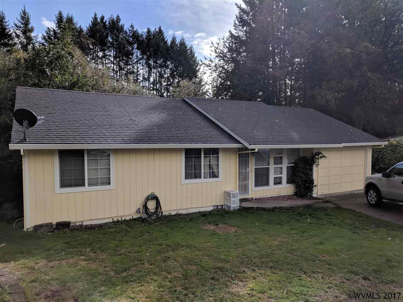 Photo of 950 SE Zee Ct  McMinnville  OR