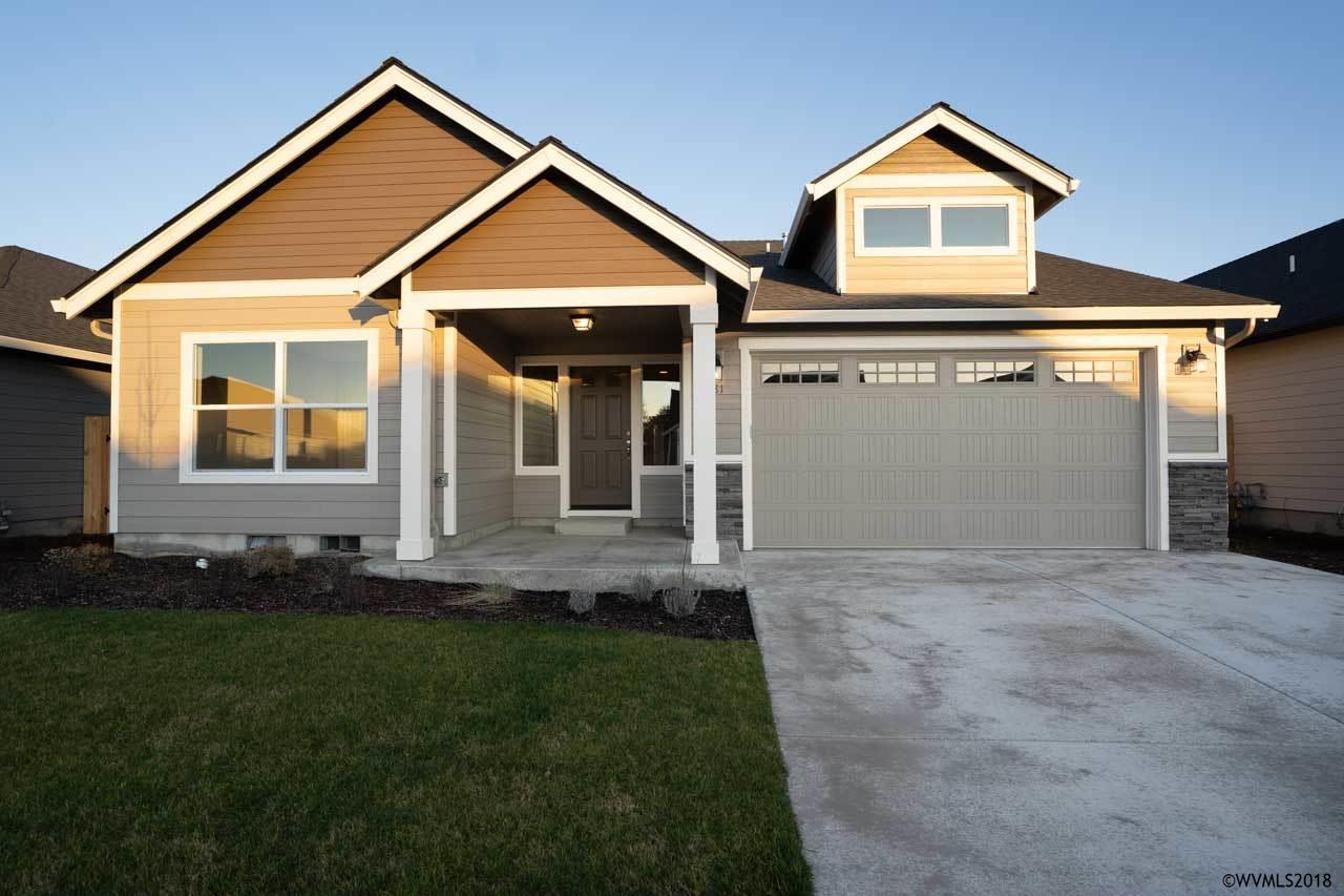 881 Covey Run St Independence, OR 97351