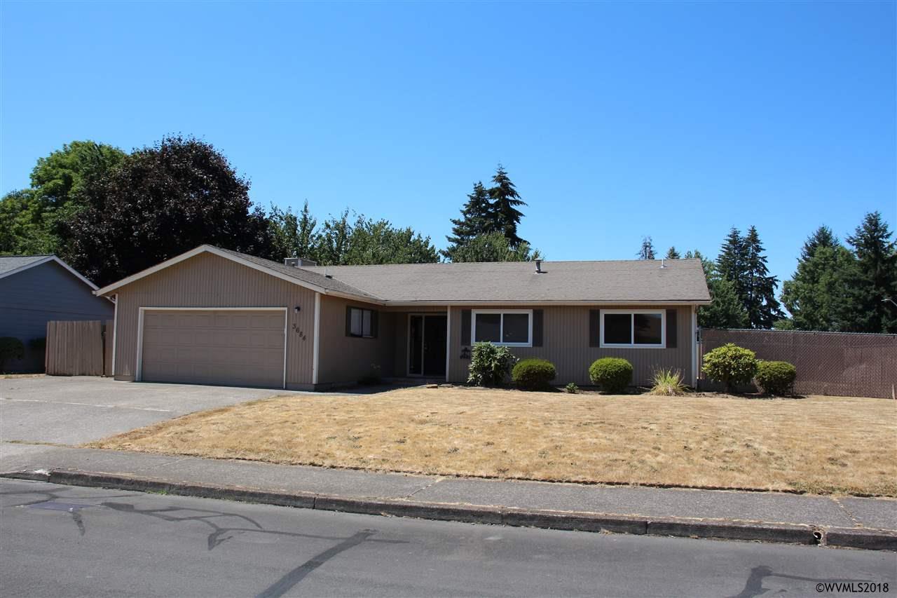 3684 Meadow Park Lp NE, Salem, Oregon