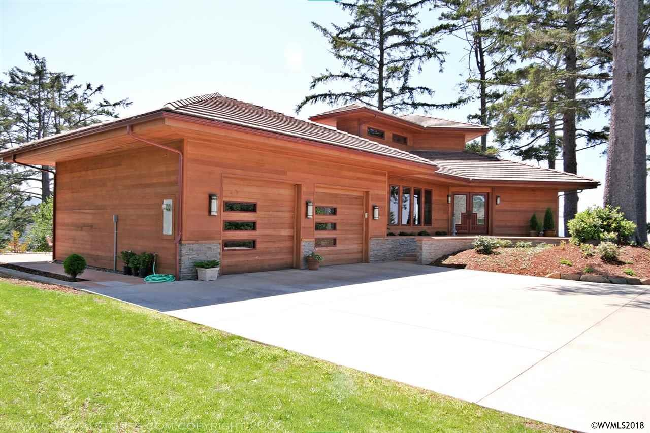 835 Nw Highland Cl Waldport, OR 97394