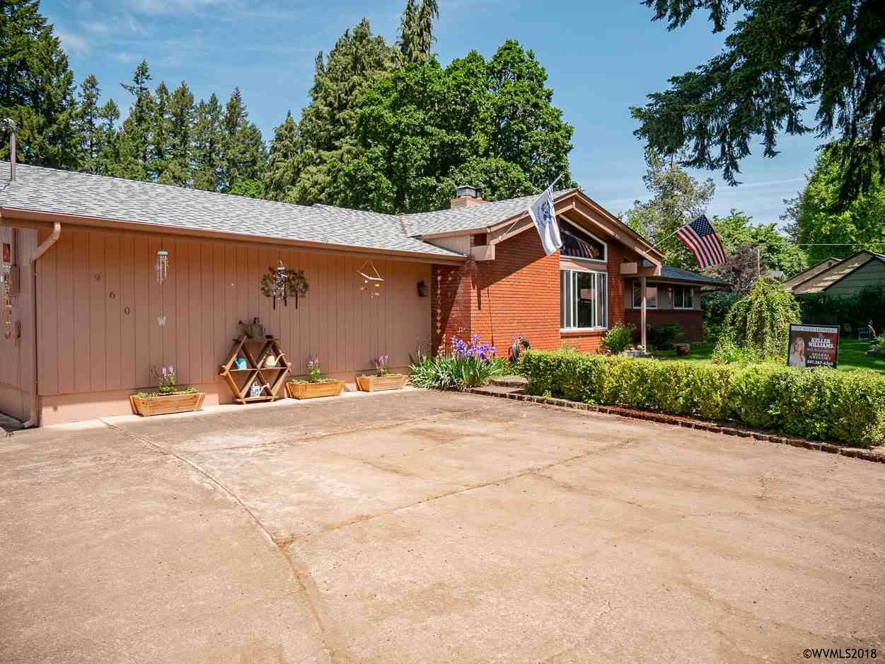 960 Grape St Sweet Home, OR 97386