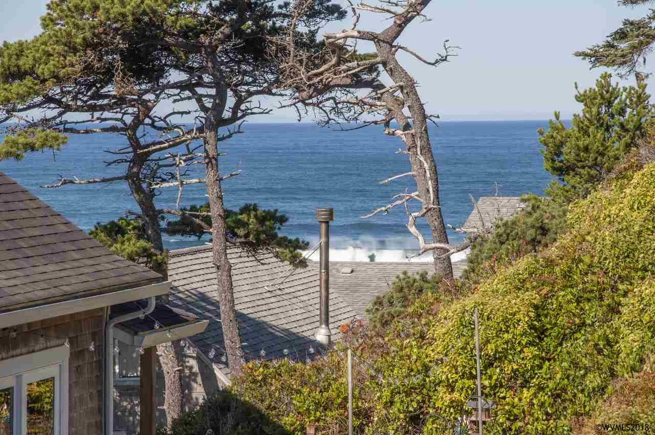 1160 NW 8th Ct, Lincoln City, Oregon