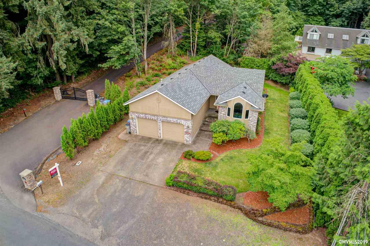 13796 SW Fern St, Tigard in Washington County, OR 97223 Home for Sale
