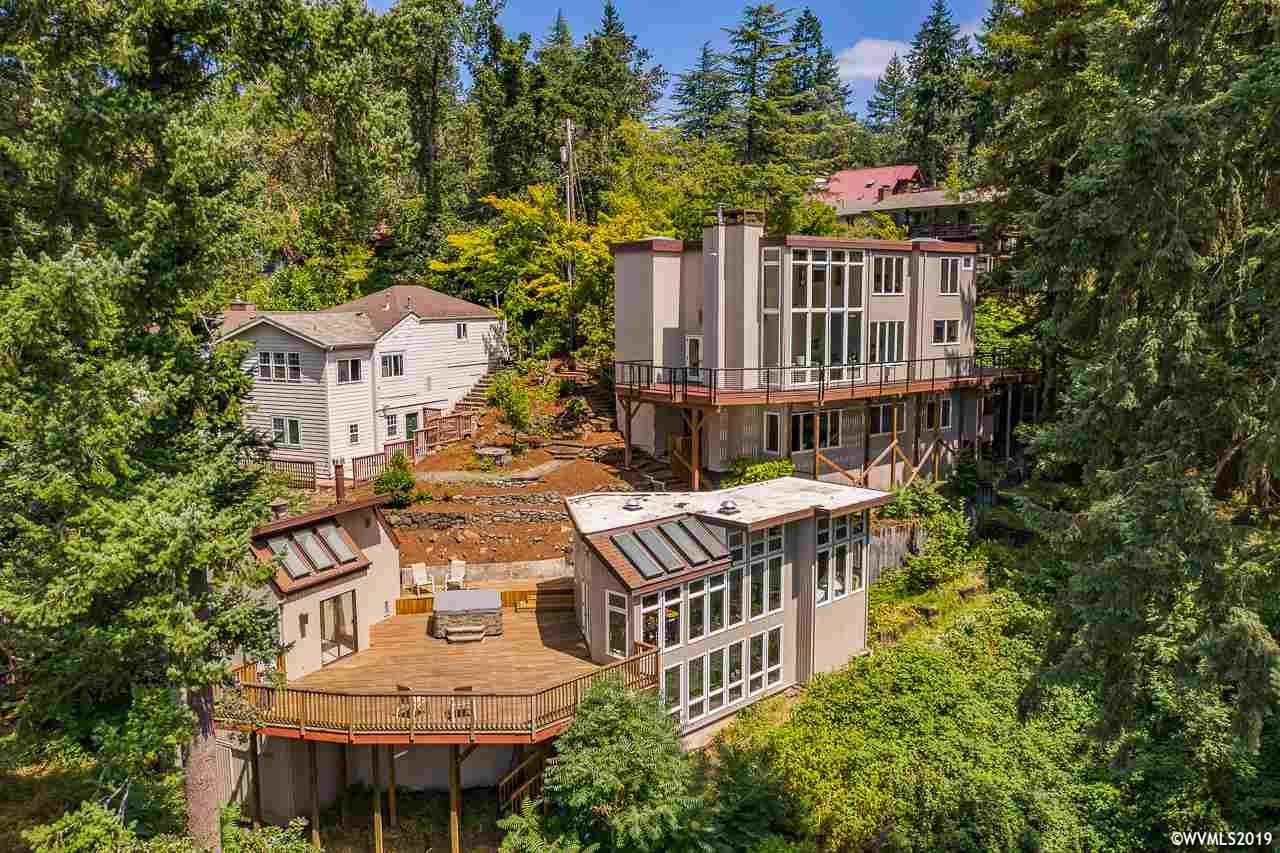 1688 Westover Dr, Eugene, Oregon 5 Bedroom as one of Homes & Land Real Estate