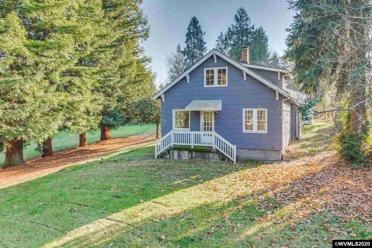 9270 SW Edgewood St, Garden Home-Whitford, Oregon