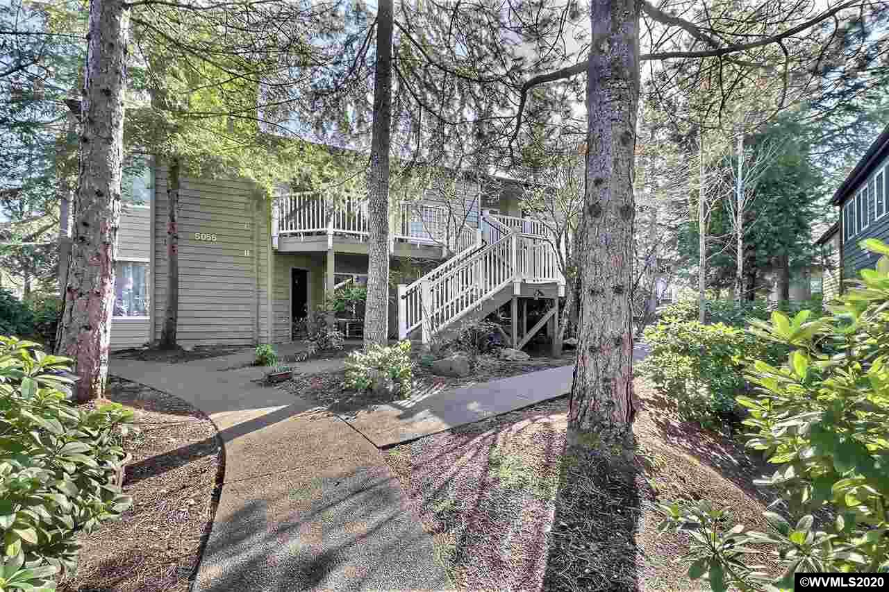 5056 Foothills (Unit G) Dr, Lake Oswego in Clackamas County, OR 97034 Home for Sale