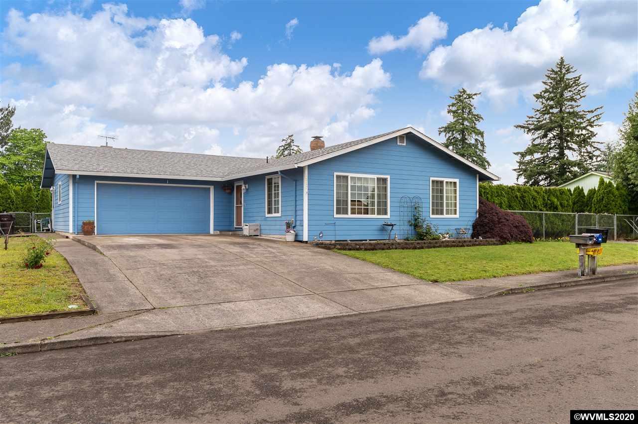 1517 N Locust St, Canby, Oregon