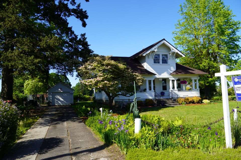 9713 S Macksburg Rd, one of homes for sale in Canby