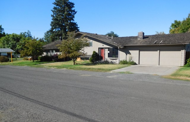 Photo of 1158 Chestnut Drive  Walla Walla  WA
