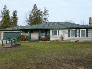 7471 W Long Lake Rd, Alpena, MI 49707