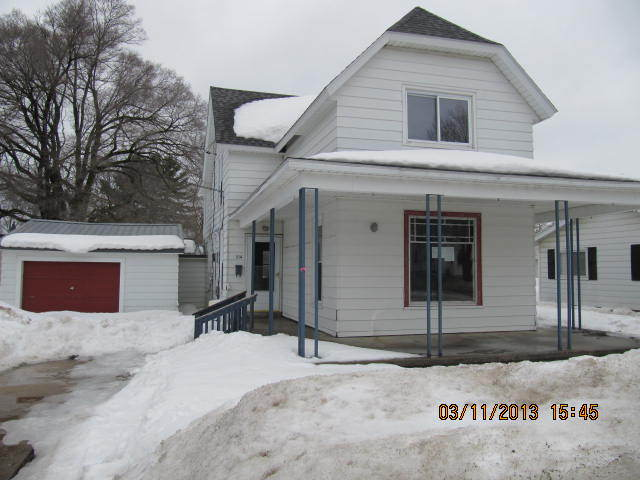 514 S Center Ave, Gaylord, MI 49735