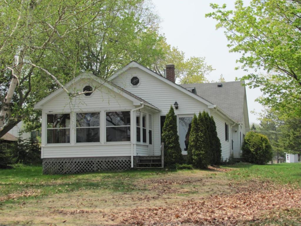 Real Estate for Sale, ListingId: 23363606, Carp Lake,MI49718