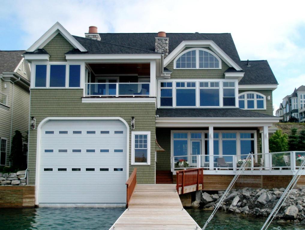 Real Estate for Sale, ListingId: 27120338, Bay Harbor,MI49770