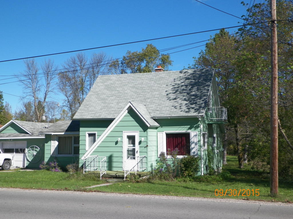 Photo of 1220 Court Street  Cheboygan  MI